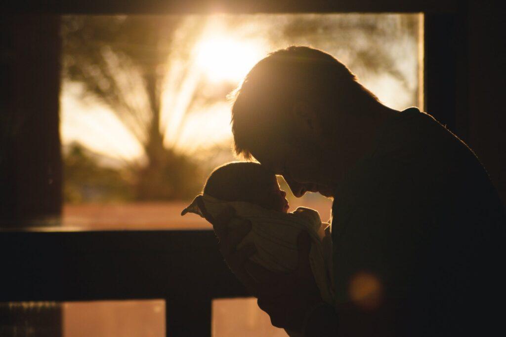 Papás-mamás- feladatmegosztás friss szülőként